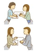 カウンセラ—と相談をする男女