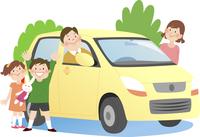 ドライブに出かける4人家族と背景に木 10471000163| 写真素材・ストックフォト・画像・イラスト素材|アマナイメージズ