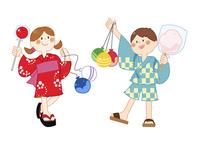 祭りでたくさん買ってもらった子供たち 10471000289| 写真素材・ストックフォト・画像・イラスト素材|アマナイメージズ