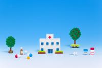 ペーパークイリングで作った病院と医療器具