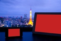 スマートフォンとタブレットPCと東京タワー