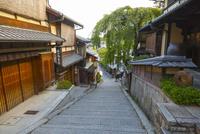 早朝の京都・三年坂