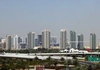 ドバイ・インターネットシティの超高層ビル群