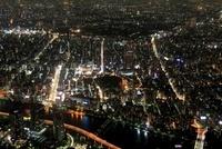 東京スカイツリーの天望回廊から浅草方面の夜景