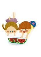 スイカを食べる男の子と女の子