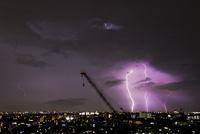 夜の雷 10510003900| 写真素材・ストックフォト・画像・イラスト素材|アマナイメージズ