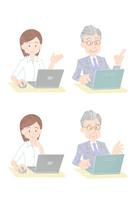 パソコンを操作するビジネスマン 10513000040| 写真素材・ストックフォト・画像・イラスト素材|アマナイメージズ