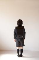 新一年生の男の子 10522001655  写真素材・ストックフォト・画像・イラスト素材 アマナイメージズ