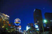 ラスベガスの街の夜景 10530006994| 写真素材・ストックフォト・画像・イラスト素材|アマナイメージズ