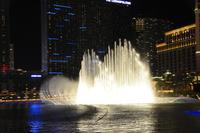 ラスベガスのホテルの噴水ショー 10530007001| 写真素材・ストックフォト・画像・イラスト素材|アマナイメージズ