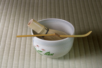 畳に置いた茶道具