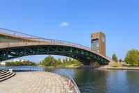 環水公園,富岩運河の天門橋 10583008041| 写真素材・ストックフォト・画像・イラスト素材|アマナイメージズ