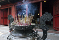 ハノイ,玉山祠本殿の香炉