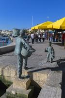 マルサシュロック 漁師と子供と猫の象