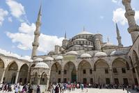 世界遺産イスタンブール歴史地区、スルタンアフメトモスク(ブルーモスク) 10583009053| 写真素材・ストックフォト・画像・イラスト素材|アマナイメージズ