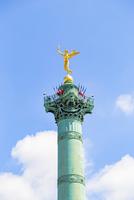 7月革命の記念柱、黄金の天使像
