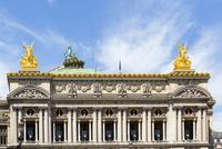 オペラ座、対になった金の天使像