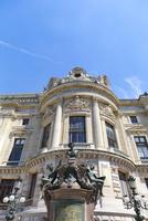 オペラ座、シャルル・ガルニエ(Charles Garnier)の像