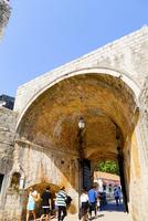 世界遺産旧市街、ピレ門