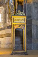 アヤソフィア、ミフラーブ.(MIMBAR)の階段