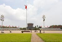 ホーチミン廟のベトナム国旗(金星紅旗) 10583009617| 写真素材・ストックフォト・画像・イラスト素材|アマナイメージズ
