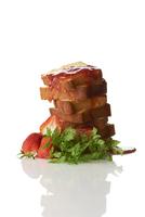 カッティングタワーパウンドケーキとイチゴのソース