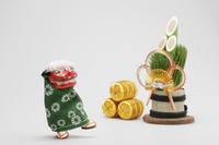 門松と獅子舞 10610000217| 写真素材・ストックフォト・画像・イラスト素材|アマナイメージズ