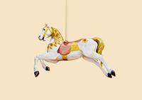 メリーゴーランドの白馬 10610002420| 写真素材・ストックフォト・画像・イラスト素材|アマナイメージズ