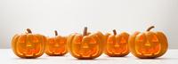 横並びのハロウィンのかぼちゃのおばけ