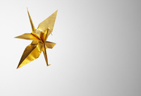 ゴールドの折鶴