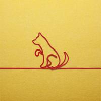 赤い紐でつくった犬(戌)のイメージ 10610003798| 写真素材・ストックフォト・画像・イラスト素材|アマナイメージズ