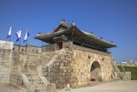 水原華城(スウォンファソン)の長安門