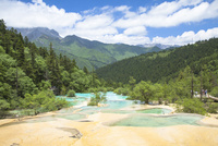 五彩池の石灰プール