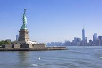 自由の女神とマンハッタン