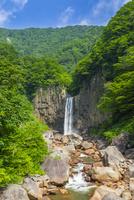 苗名滝 10620000191| 写真素材・ストックフォト・画像・イラスト素材|アマナイメージズ