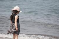 浜辺と女の子