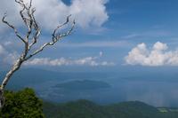 津別峠から望む屈斜路湖