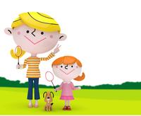 緑の上でバドミントンをする女の子とママと犬