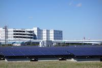 川崎市の浮島太陽光発電所 10669001693  写真素材・ストックフォト・画像・イラスト素材 アマナイメージズ