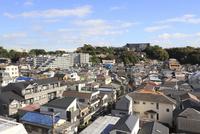 横浜市の住宅街 10669002225| 写真素材・ストックフォト・画像・イラスト素材|アマナイメージズ