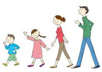 歩く家族 10672000055| 写真素材・ストックフォト・画像・イラスト素材|アマナイメージズ