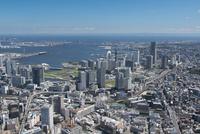 横浜駅空撮 北西側よりみなとみらい・ベイブリッジ方面を望む