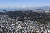 鎌倉駅空撮 東側より富士山・湘南海岸方面へ