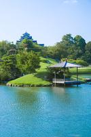 後楽園と岡山城 10685000632| 写真素材・ストックフォト・画像・イラスト素材|アマナイメージズ