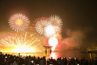 宮島の水中花火大会