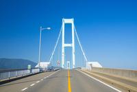 瀬戸内海とびしま海道 10685003146| 写真素材・ストックフォト・画像・イラスト素材|アマナイメージズ