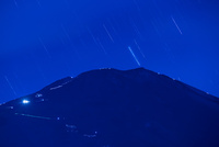 太郎坊より富士山と星空