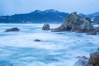 冬の西脇海岸 10685003948| 写真素材・ストックフォト・画像・イラスト素材|アマナイメージズ