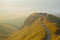 朝日に映えるラピュタの道
