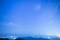 絵下山より広島の夜景と広島湾 10685004505| 写真素材・ストックフォト・画像・イラスト素材|アマナイメージズ